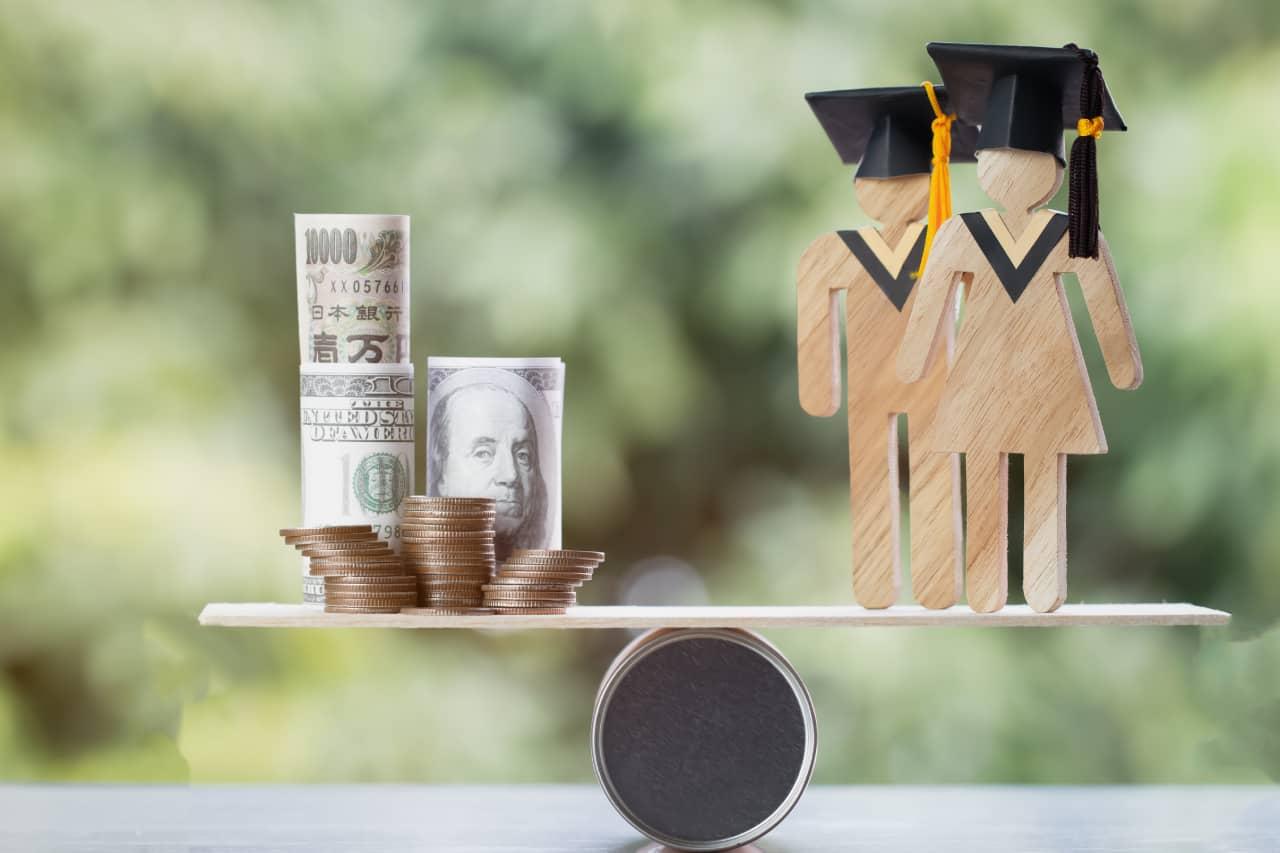 Cómo refinanciar sus préstamos estudiantiles
