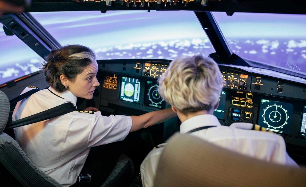 Cómo convertirse en piloto de una aerolínea