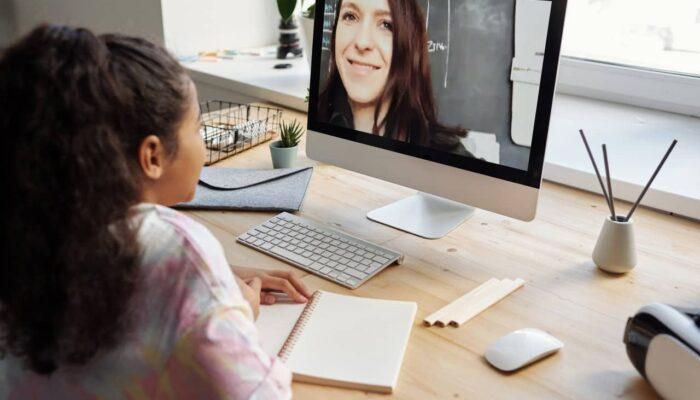 Consejos de expertos para trasladar su clase en línea