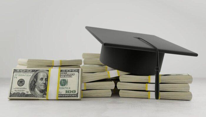 Los pasos financieros que debe tomar después de la graduación